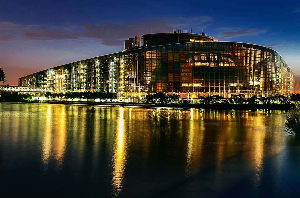 european-parliament-2224221_960_720